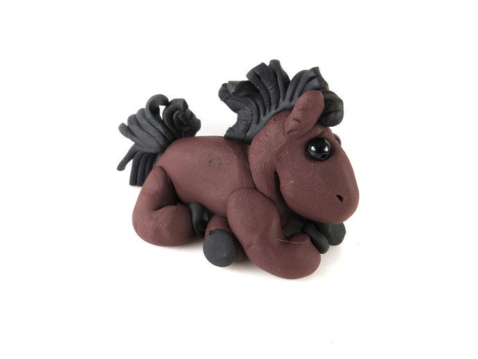 Clay horse sculpture figurine