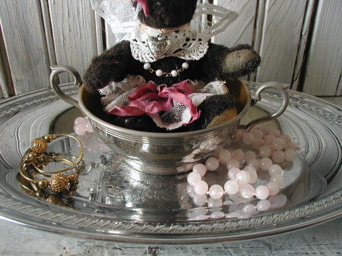 shabby chic /Jewelry caddy / bedside stash tray / dresser organizer / vintage