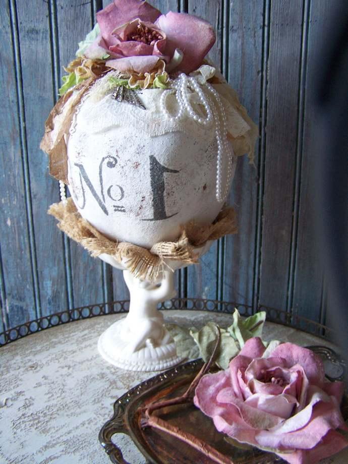 French chic / Decorative tabletop decor / white / cherub / trophy / Pink Paper