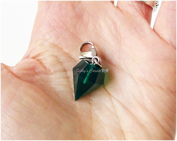 Green Emerald Resin Zipper Pull, Bag Charms, Pet jewelry