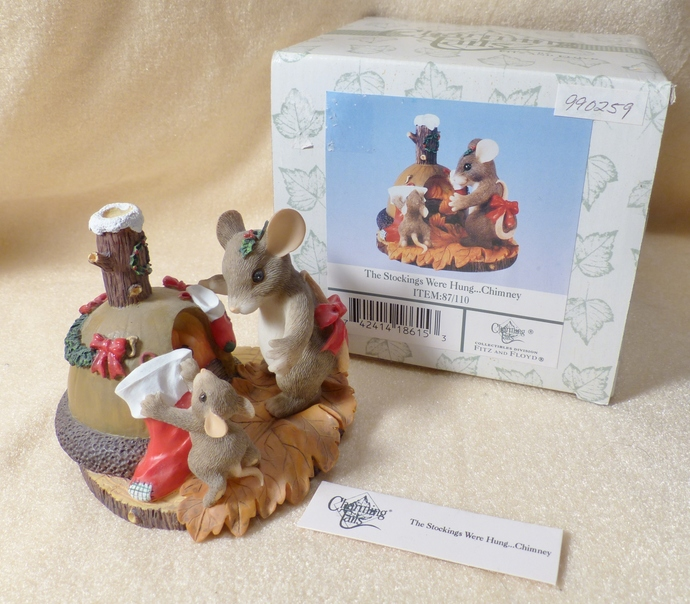 Charming Tails Mouse, The Stockings Were Hung, 87/110, Collectible Mouse