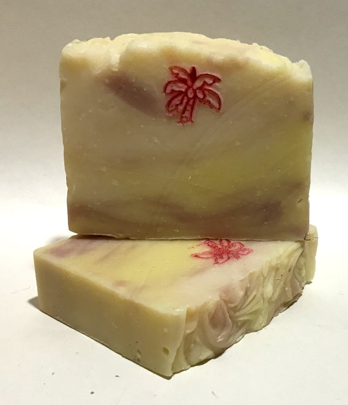 Honeysuckle Soap / Coconut Oil / Palm Oil / Olive Oil / Essential Oil Soap / All