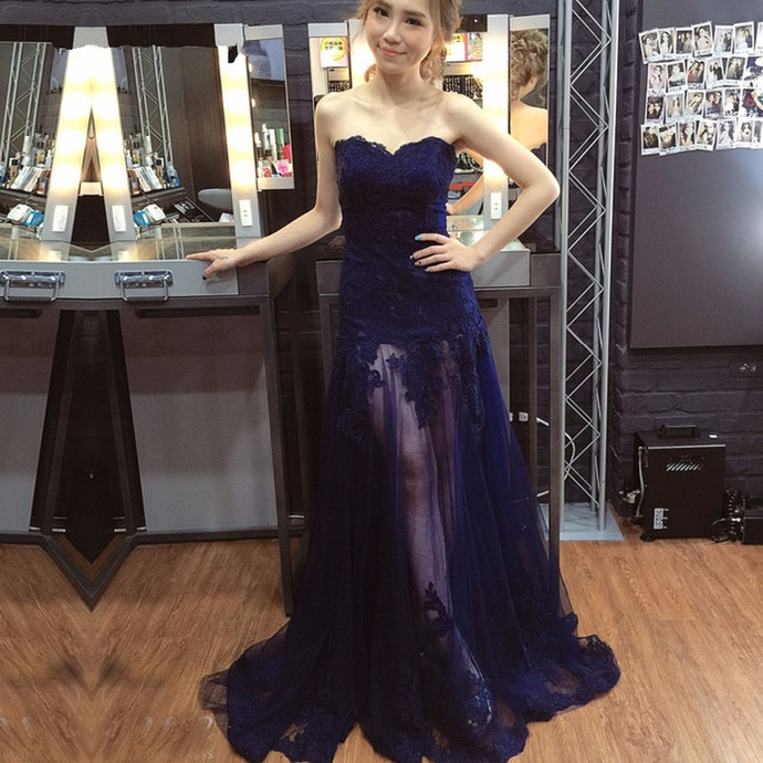 Sweetheart Navy Blue Prom Dress with Appliqued Sheer Skirt