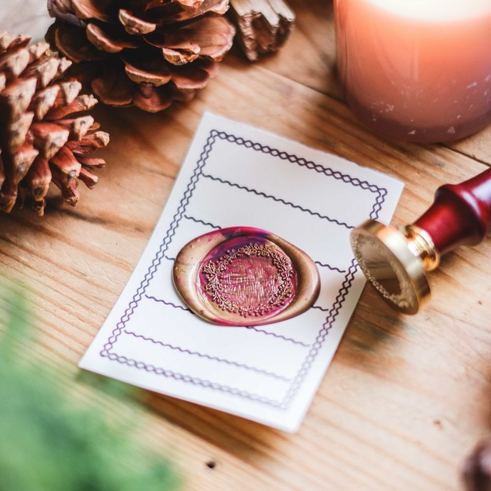 London Gifties wax seal - Holly Berry Wreath - perfect as a gift for yourself &