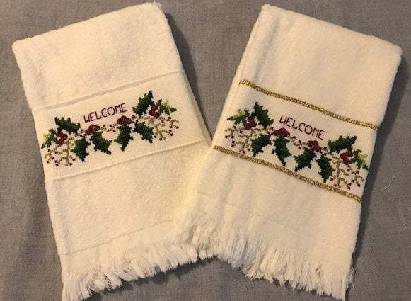Christmas Holly Welcome - Guest Towels - Fingertips - Bathroom Guest Towels