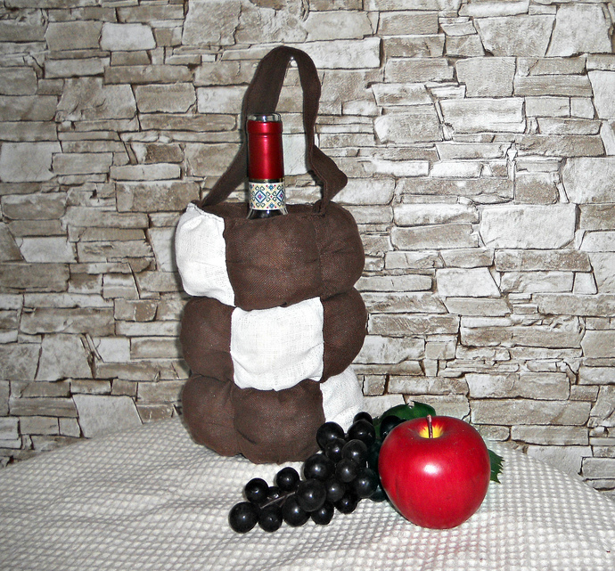 handmade cloth tote bottle, wine bottle cover , tote for storage bottle , travel