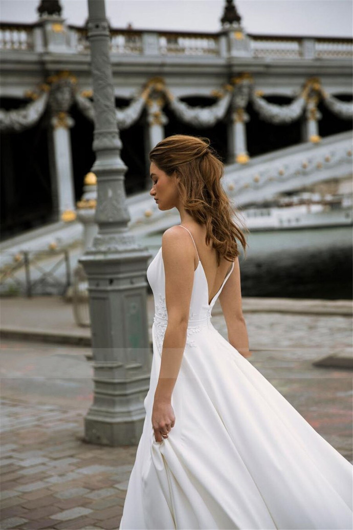 Spaghetti Straps Zipper v Back Embroidered Lace Simple Style White Wedding Dress