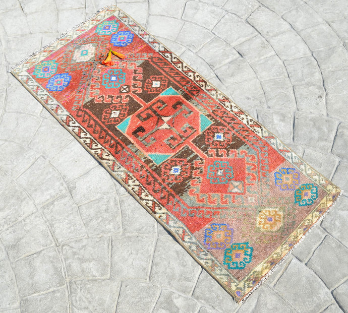 """1'8"""" x 3'8"""" Rug Hand Knotted Oushak Yastik Rug Tribal Patterns Faded Colors"""