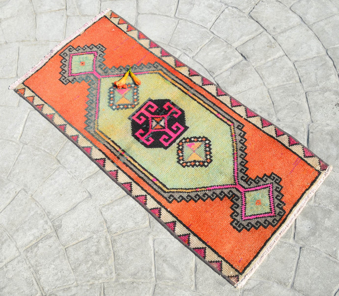 1.5x3' Rug Hand Knotted Small Oushak Rug Distressed Low Pile Front of Kitchen