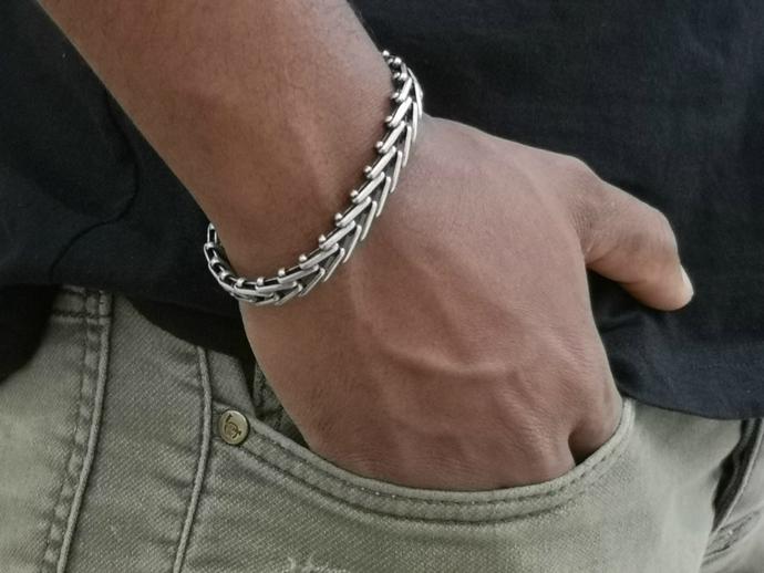Silver V Link Chain Bracelet