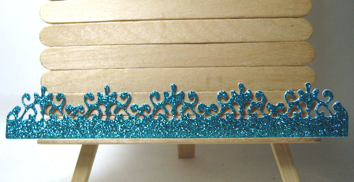 Border Edge Lace Cutting Die