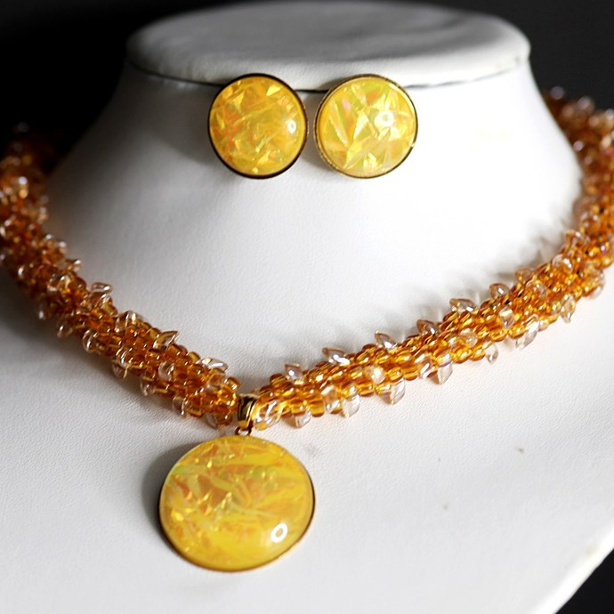 The Sunshine Necklace set