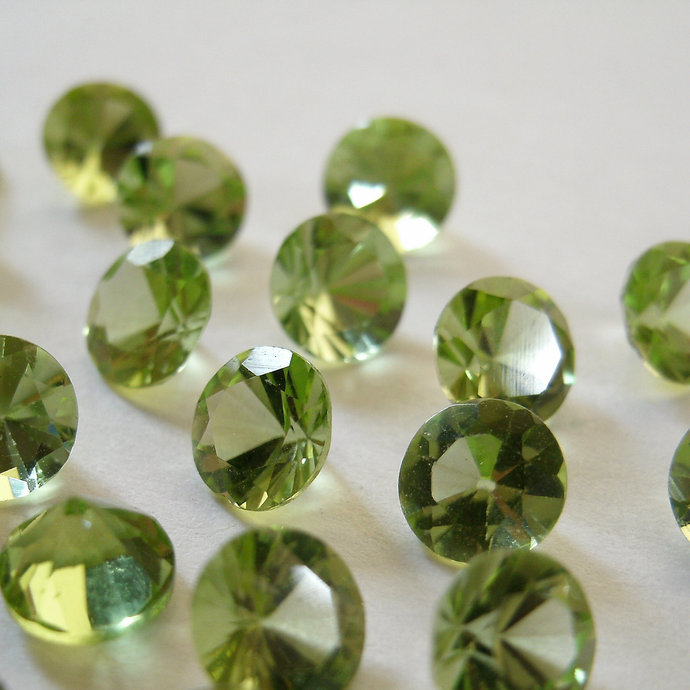 Peridot 4mm Faceted Gemstone Billiant Cut AAA FOR TWO