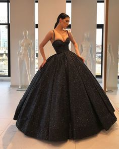 Gorgeous Ball Gown Sweetheart Spaghetti Straps Black Long Prom Dresses with
