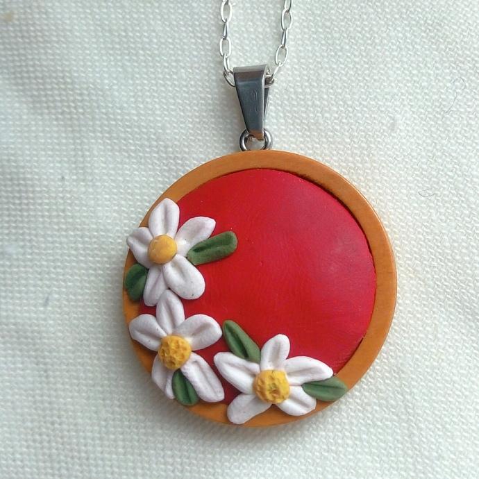 Red Daisy-Chain Flower Wreath Pendant
