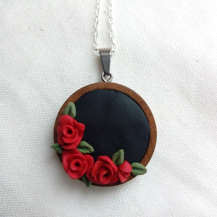 Black Red Rose Flower Wreath Pendant