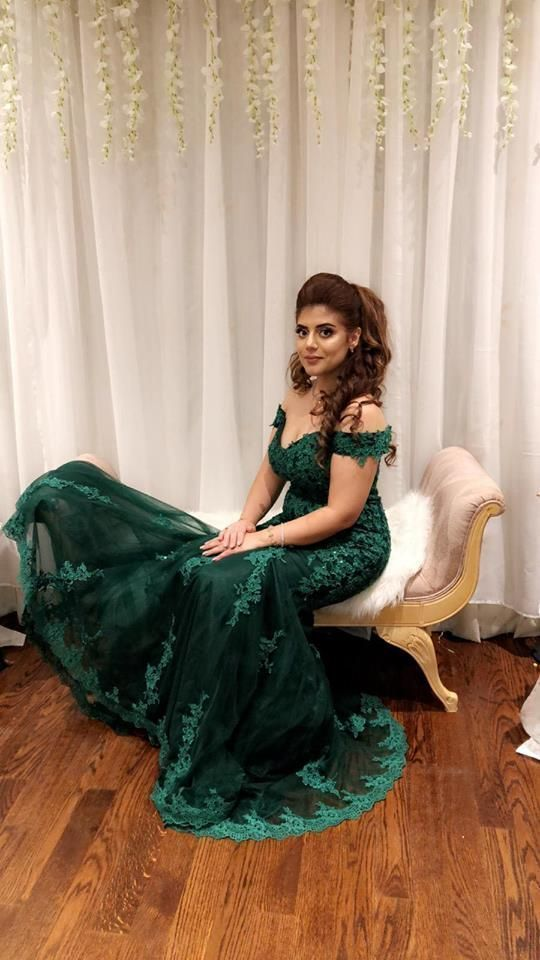 Formal Evening Gowns Lace Appliques Mermaid Long Prom Dresses Tulle Emerald