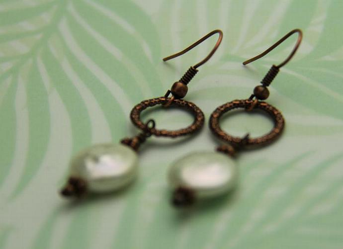 Coin FW Pearl Copper Earring