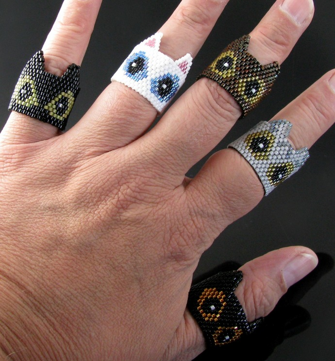 Peyote kitty head ring - Made to order