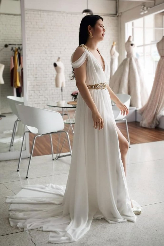 Beautiful A Line V Neck White Beach Wedding Dresses with Ruffles
