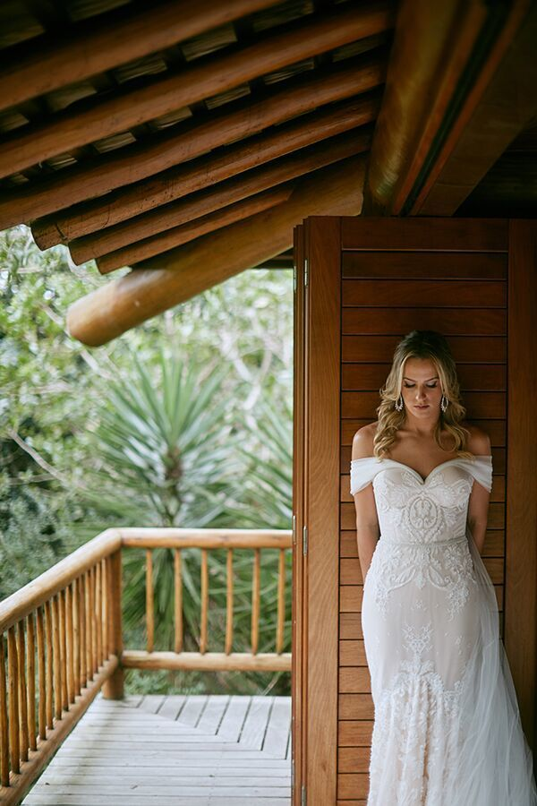 Stunning Mermaid Tulle Wedding Dresses Off the Shoulder Delicate Lace Unique