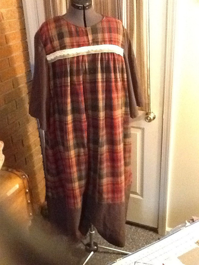 Classic and Plaid Simple Nightgown