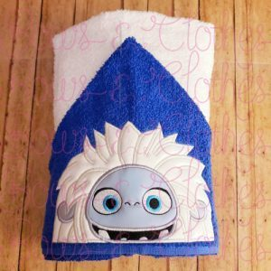 YETTI -  Hooded Towel