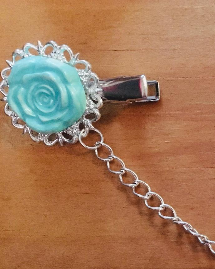 Sweater clips ~ aqua rose ~ Silvertone chain