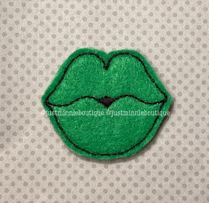 LIPS green 4 pc UNCUT
