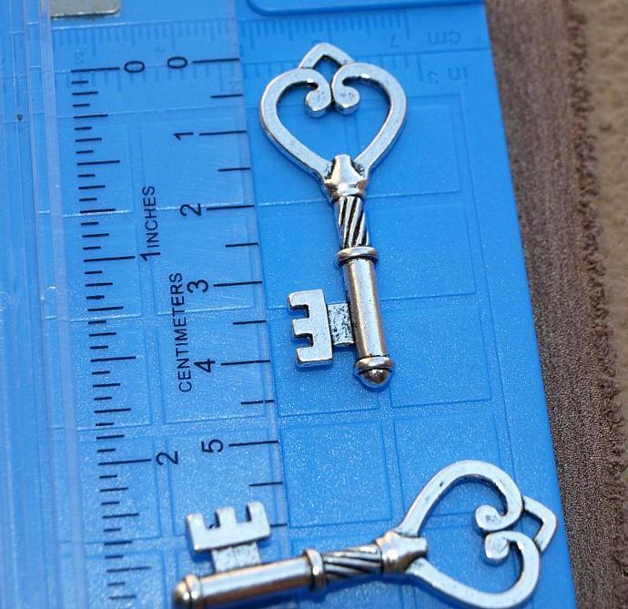 Key Charm 11-223