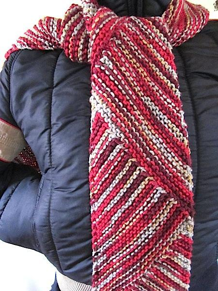 Attractive Diagonal Knit Scarf for Men or Women