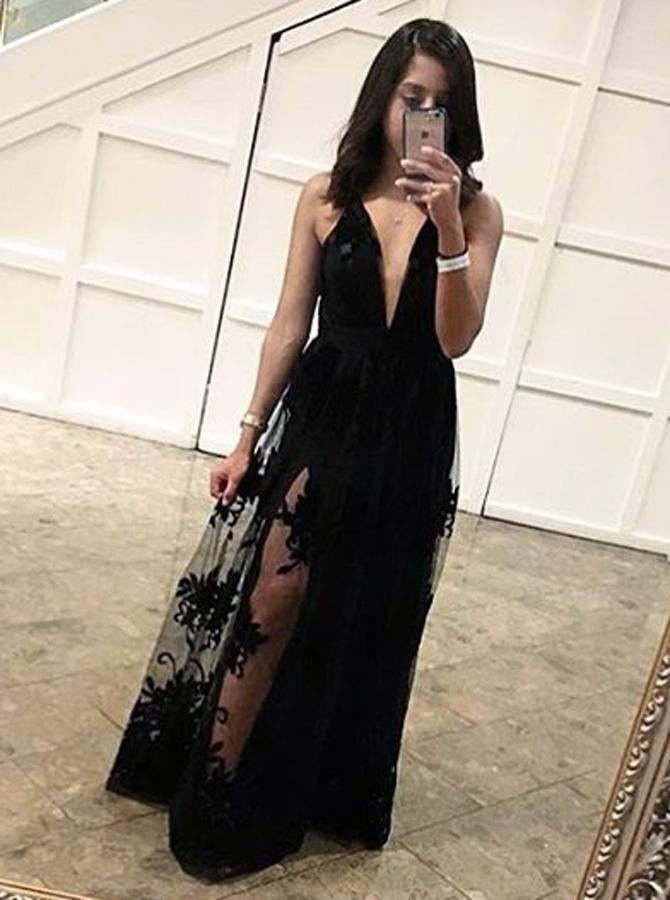 Sheath Deep V-Neck Floor-Length Criss-Cross Straps Black Tulle Prom Dress with