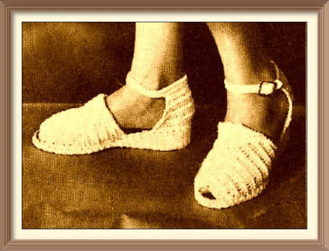 Instant Vintage Crochet Pattern Ladies Open Toe Sandals or Shoes with Ankle