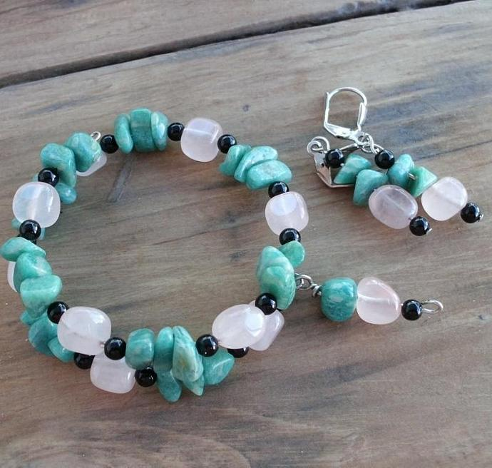 Green Amazonite and Rose Quartz Memory Wire Bracelet and Earrings