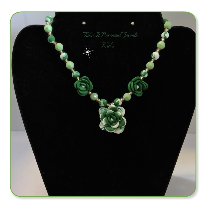 Children's Green and White Flower Necklace Handmade Jewelry Gifts for Kids