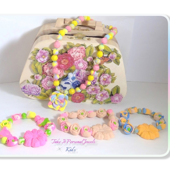 Girl's Jewelry Gift Purse Package Flower Necklace and Bracelet Bundle Handmade