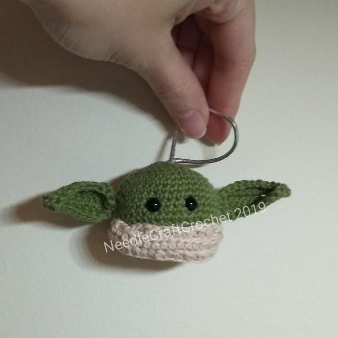 Baby Yoda Christmas ornament pattern