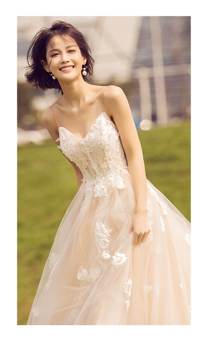 Luxurious And Simple Wedding Dress Bride Gowns And Bridesmaid Gowns Country