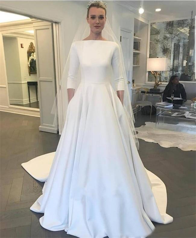 2020 New Wedding Dresses Meghan Markle Style Bateau Neck Long Sleeves Covered