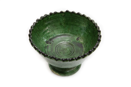 Unique Elegant Handcrafted Bol de Fruits Zig Zag Tamegroute Green Glazed Pottery