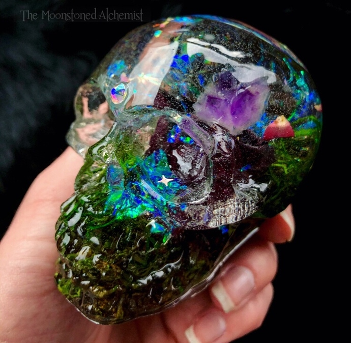 THE WORLD CARD Large tarot Rose Garden Skull with Skeletal Amethyst Cluster