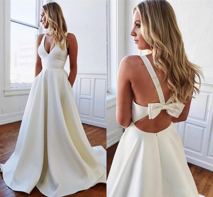 2020 Wedding Dresses With Pockets Sexy Bow Backless A Line Satin Summer Garden