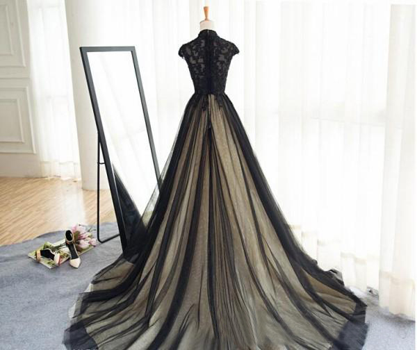 Gothic Black Wedding Dresses Champagne Lining High Neck Lace Appliques Capped