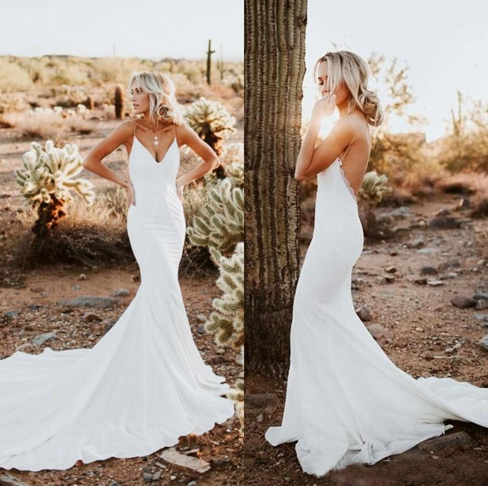 2020 Sexy Country Backless Mermaid Wedding Dresses Simple Spaghetti Strap