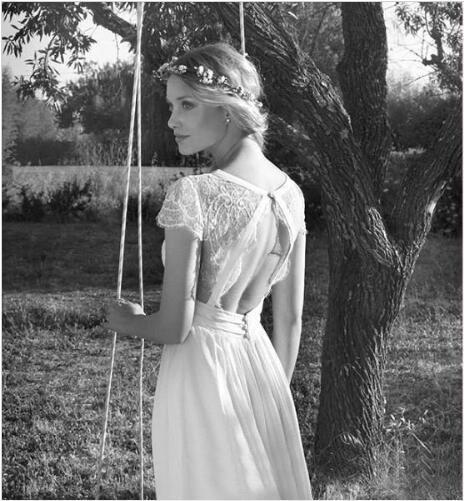 2020 Hot Selling Beach Chiffon Wedding Dresses V Neck Short Sleeve Lace Applique