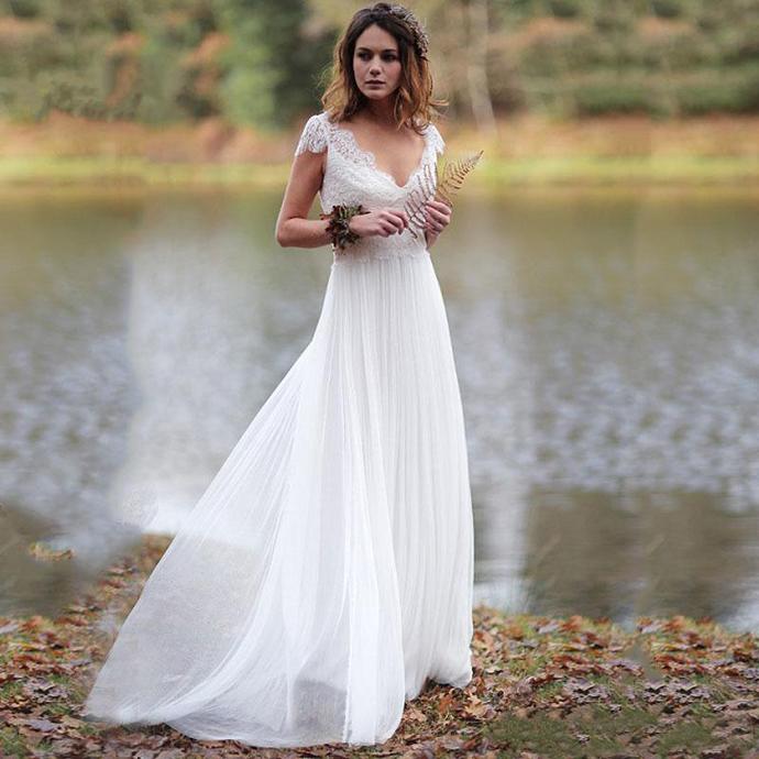 2020 Beach A Line Lace Wedding Dresses Cap Sleeve Appliqued V Neck Boho Wedding