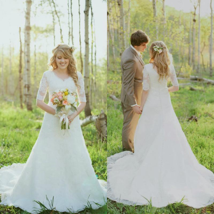 Bohemian Full Lace Wedding Dresses With Half Sleeves 2020 Modest V Neck Court