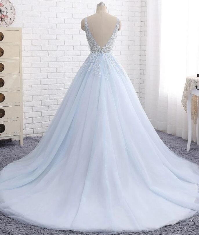 Chariming Ball Gown Tulle Sky Blue V-neck Appliques Train Prom Dresses,Sweet 16