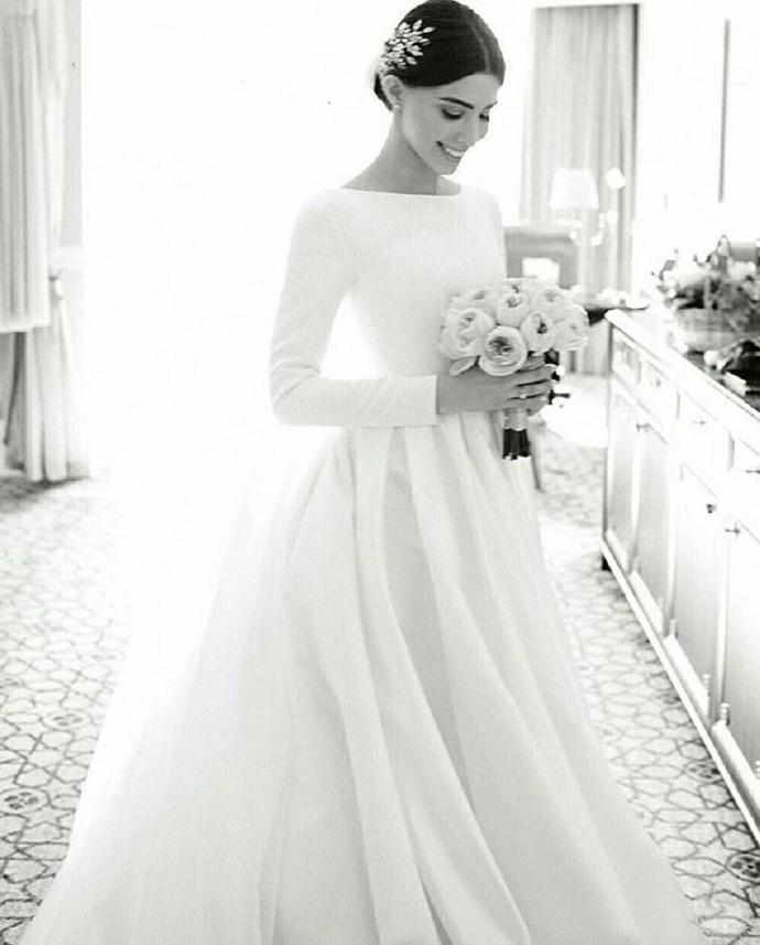 Plain Designed Satin Wedding Dresses Modest Long Sleeve Bateau Neckline Court