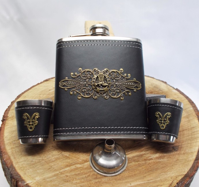 Hip Flask Set with Funnel and Designed Shot Cups Horseshoe Stainless Steel Black